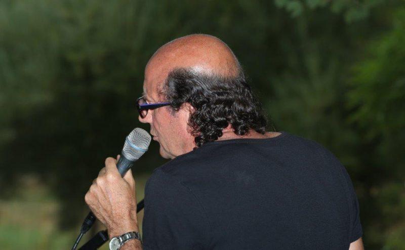 Dominique Destombes, auteur compositeur interprète, chanson française